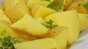 Butter herbed boiled new potatoes