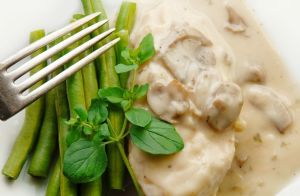 Chicken with Cheesy Mushroom Gravy