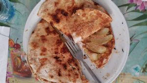 Creamy Apple-Cinnamon quesadilla