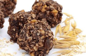 Cinnamon-Raisin-Almond Balls