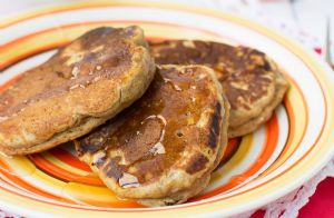 Low-Fat Whole Wheat Pancakes