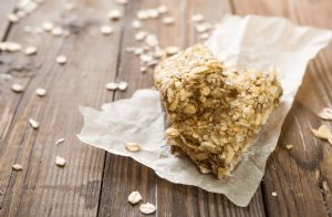 No-Bake Chocolate Peanut Butter Protein Bars