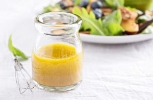 Olive Oil and Lemon Salad Dressing