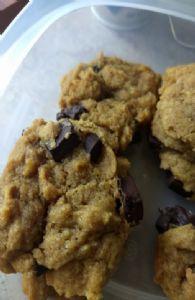 Peanut butter, chocolate chunk coconut flour cookies