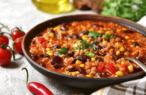 Slow Cooker Chili with Corn, Black Beans and Ground Turkey
