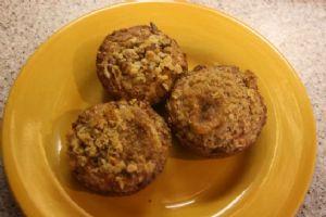 oatmeal-applesauce muffin