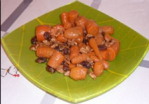 Vegan Autumn Sweet Carrots with Walnuts