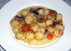 Gnocchi, Mushrooms & Leeks in White Wine Sauce