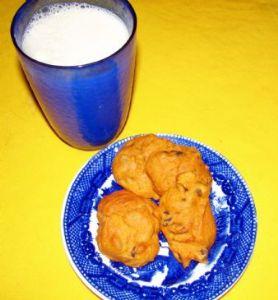 Pumpkin Chocolate Chip Cookies (w/ less calories, fat, & cholesterol)