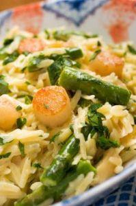 Creamy Orzo with Sea Scallops, Asparagus and Parmesan