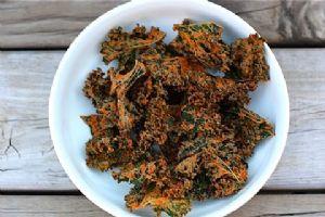 Cheesy Raw Kale Chips
