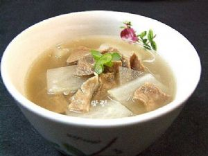 Kalbi Moo Guk(Korean Short Rib and Radish Soup)