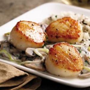 Seared Scallops with Brandied Leeks & Mushrooms - EatingWell
