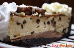 Peanut Butter Chocolate Chip Freezer Pie