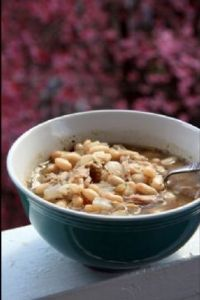 FANNETASTIC FOOD'S Chicken & White Bean Chili Soup
