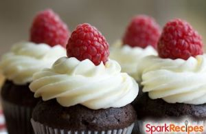 Chocolate Cupcakes & Cream Cheese Frosting