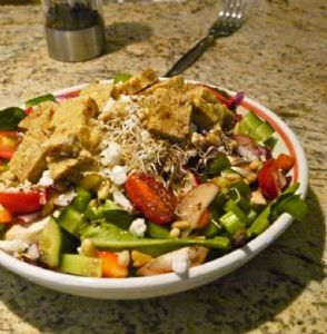 Tempeh, Sprouts & Veggie Supreme Salad