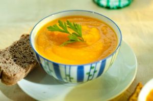 Slow Cooker Curried Apple Parsnip Soup