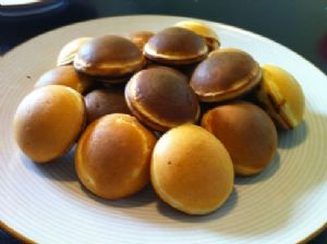 Fluffy pancakes or pancake poppers