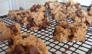 Peanut Butter, Oatmeal, Dark Chocolate Chip Cookie