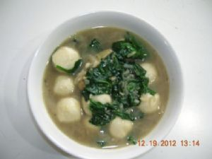 Baby Spinach Soup with Fish Balls