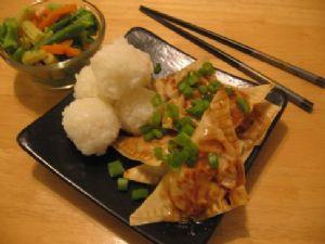 Asian dumplings - (1 dumpling) (losingjess)