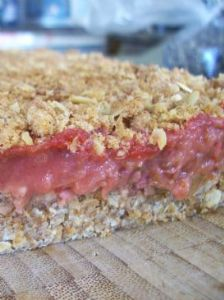 Strawberry-Rhubarb Crumb Bars