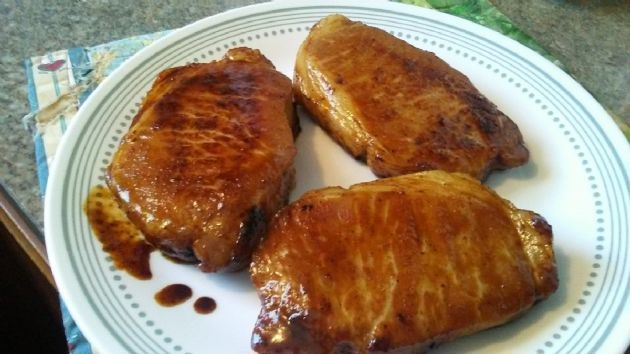 Apple Glazed Pork Chops