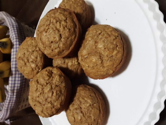 Applesauce Oatmeal Muffin with Coconut Milk