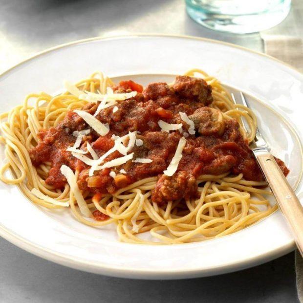 Basic spaghetti  with ground chicken