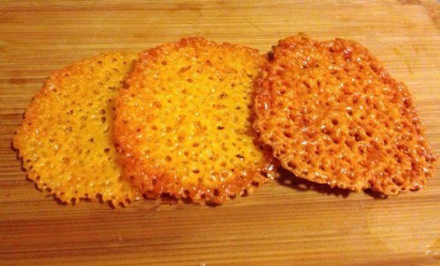 Cheddar Crisps (Keto)