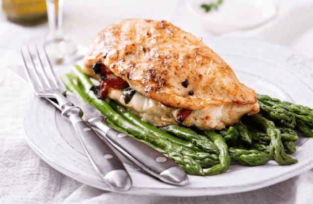 Tomato-Mozzarella-Stuffed Chicken Breast