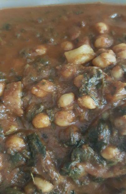 Chickpea and Veggie Curry (Vegan)