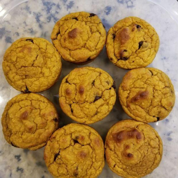 Pumpkin muffins with cranberries, walnuts & choc chips