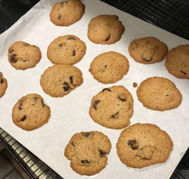 Gluten Free/low sugar Dark Chocolate chip cookies