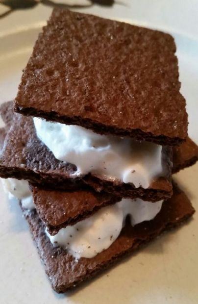 Graham Cracker Whipped Cream Sandwich