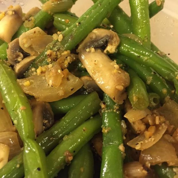 Green Beans with Mushrooms and Onions (Beth's Side Dishes)