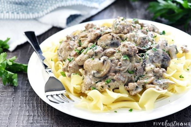Ground chicken stroganoff
