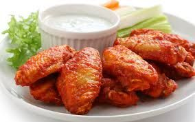 400 Calorie Dinner - Buffalo Wings with Celery and Ranch Dip