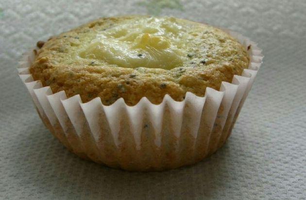 Keto Lemon Poppyseed Cheesecake