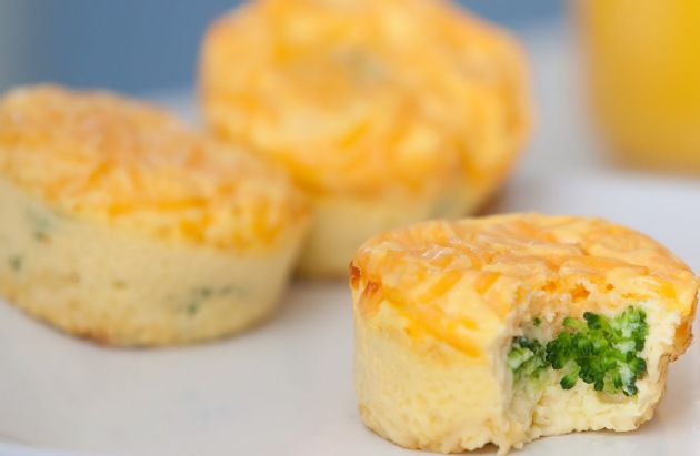 Mini Egg Muffins with Cheesy Rice and Broccoli