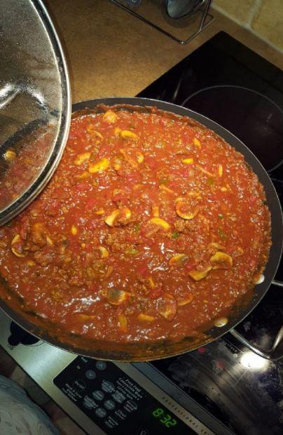 1 cup Nicole Spaghetti Sauce with PC mushroom tomato sause
