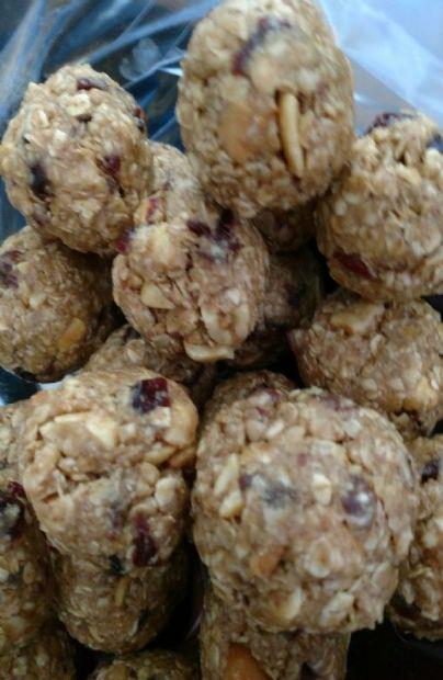No-bake Oatmeal cookie power balls
