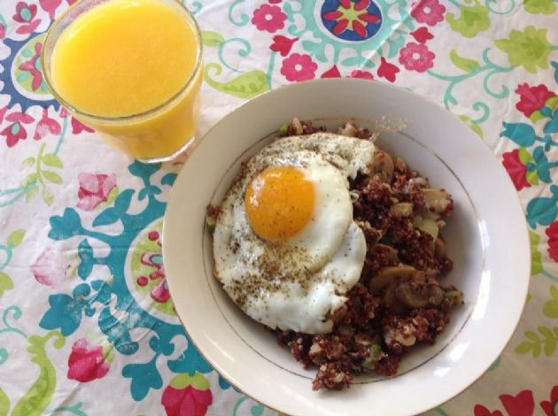 Quinoa Veggie Breakfast Bowl