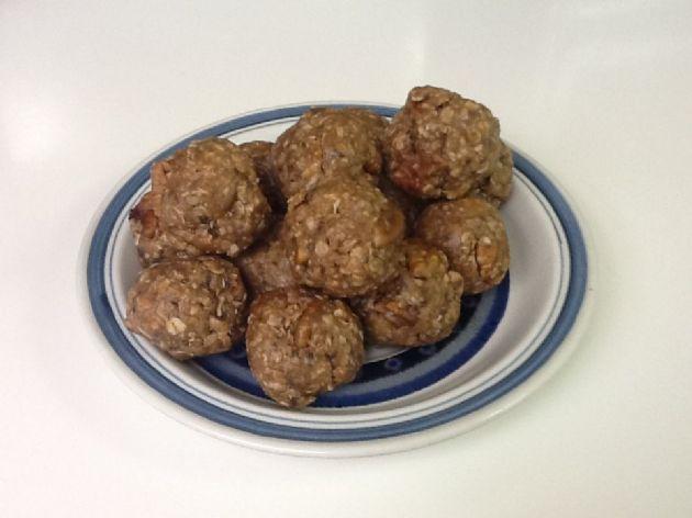 Sara's Chocolate PB Energy balls