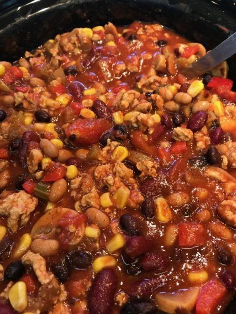 Slow Cooker Chicken & 3 Bean Chilli