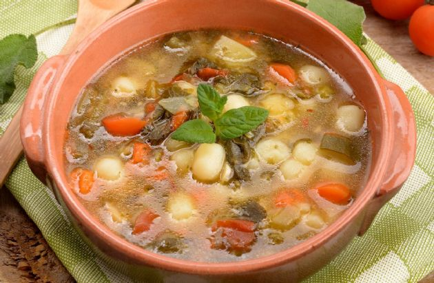 Slow Cooker Northern Bean and Spinach Soup