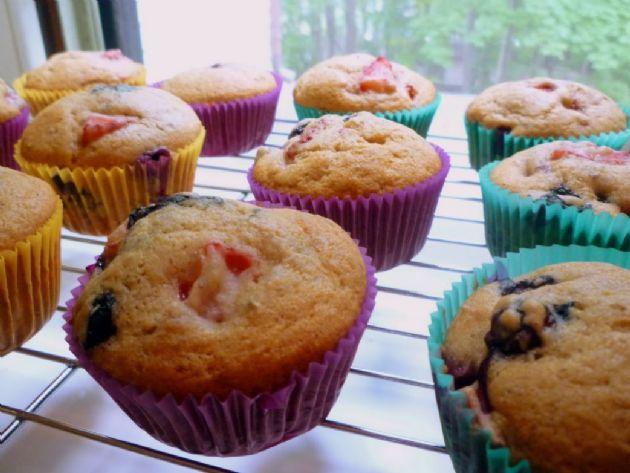 Strawberry Blueberry Yogurt Muffins