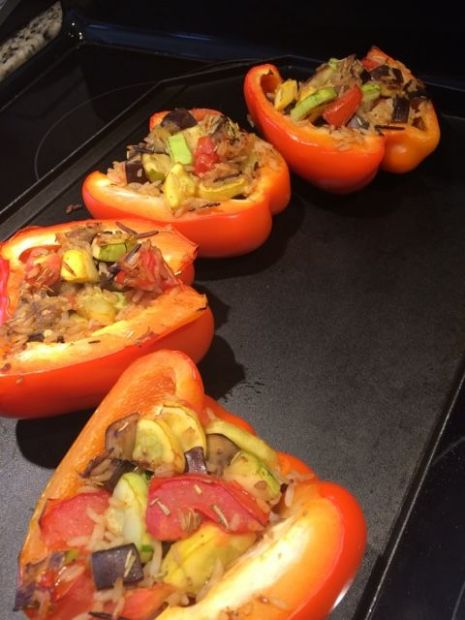 Stuffed pepper (zucchini and wild rice)