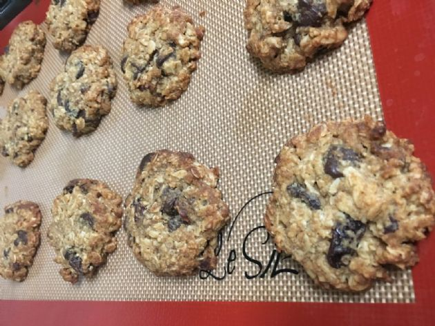 THM Chocolate Chip Oatmeal Raisin Cookie
